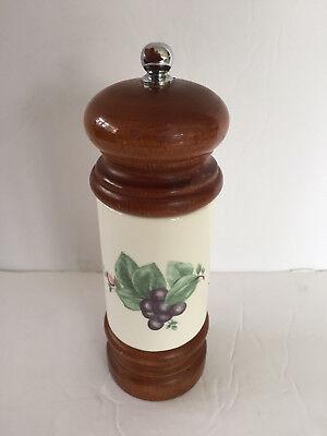 Pfaltzgraff USA Grapevine, Purple Grapes - MR. DUDLEY PEPPER MILL / (Grape Vine Mills)