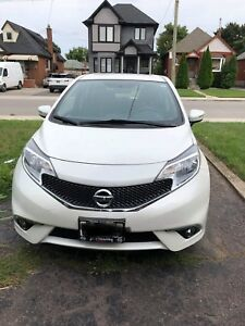 2015 Nissan Versa note sr 5 doors hatchback low mileage