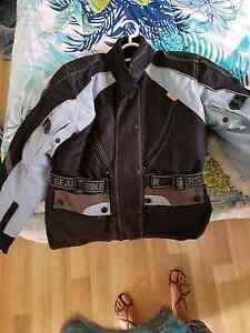 Ladies bike jacket size small but fits me size 12-14 Driver Palmerston Area Preview