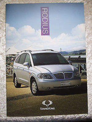 SSANGYONG RODIUS 270 ES EX  FULL SALES BROCHURE 10 PAGES 2013 ISH