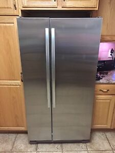 Complete set of stainless steel appliances