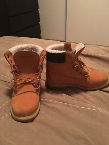 Women's timberland boots size 9