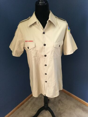 Short Sleeve Boy Scout Shirt with Badges Size Medium