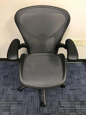 Herman Miller Aeron Chair Size B-medium Graphite Already Assembly