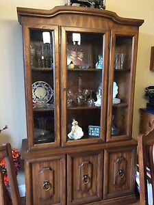 Dinning Room Set with Hutch