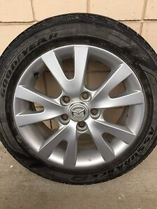 Mazda 3   205/55r16 rims and summer tires $400 obo