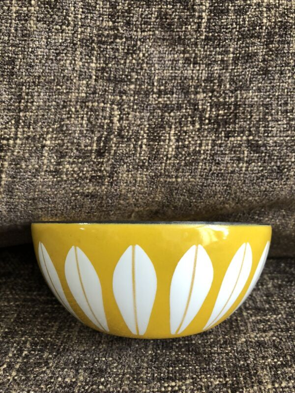 "CATHRINEHOLM 4"" BRIGHT YELLOW & WHITE BOWL GLOSSY INSIDE & OUT NEAR MINT"