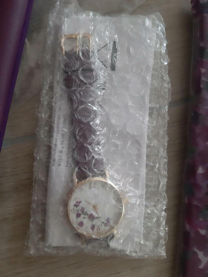Handtasche lila, NEU in OVP, mit passender Uhr und Schal in Hessen - Schöneck