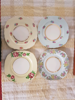 Gorgeous set of 4 Colclough small plates