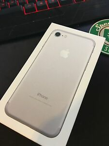 IPHONE 7 SILVER/WHITE 32GB Unlocked SEALED