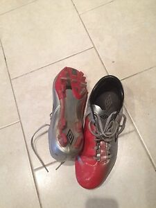 Soccer cleats size 10.5
