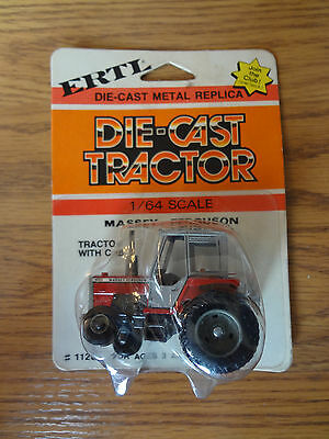 Massey Ferguson 699 Ertl 1/64 scale Tractor collectible