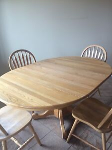 Oak Round Kitchen Table