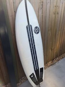 Beachbeat wasp surfboard + quad fins