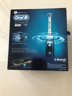 Oral B Genius 9000 Electric Toothbrush in Black (Brand New)