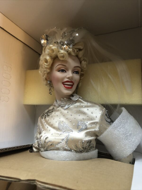 Franklin Mint Heirloom L/E Marilyn Monroe There's No Business Like Show Business