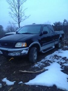 1998 Ford F-150 4x4 3 doors great deal lowkm