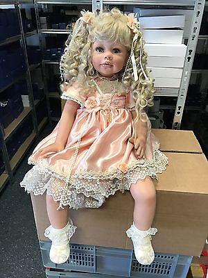 Monika Levenig Vinyl Puppe 77 cm. Top Zustand