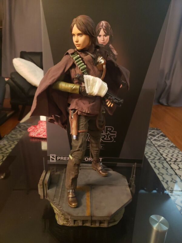 Star Wars Jyn Erso Premium Format Sideshow Statue 19.5 Inch Scale #116 of 1,000