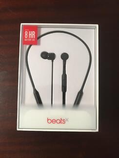 Beatsx headphones - NEW unopened