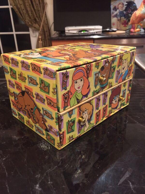 SCOOBY-DOO CARDBOARD JEWELRY BOX WITH DRAWERS 2000
