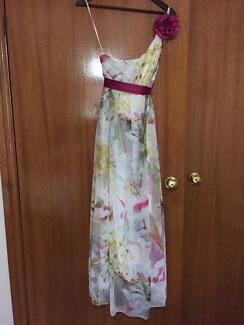 Size 12 floral formal/maxi dress Dubbo 2830 Dubbo Area Preview
