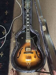 EPIPHONE EMPEROR HOLLOWBODY GUITAR AND EPIPHHONE HARDCASE Rochedale South Brisbane South East Preview