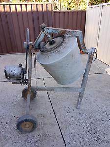 Electric concrete mixer Campbelltown Campbelltown Area Preview