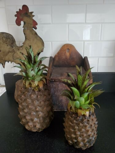 """Primitive Blackened Grungy Poured Wax Pineapple 8"""" Judy Condon NR"""