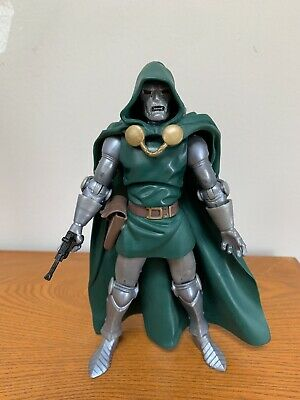 Marvel Legends Dr Doom Action figure from the Ronan wave!! Loose/complete!