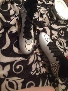 Nike spikes size 8.5