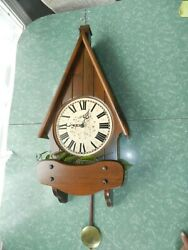 VTG 33 CORNWALL WALL CLOCK BIRDHOUSE WOOD CHALET WEATHERVANE FARMHOUSE CHIMES