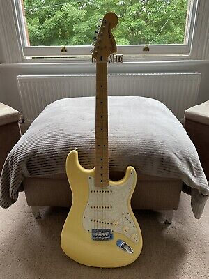 Fender stratocaster 2015 Deluxe Mim In Buttercream. Amazing Condition!
