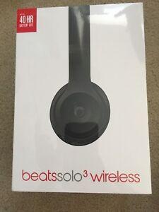 Unopened Beats solo 3 wireless headphones