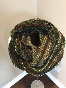 BN Hand Knitted Infinity Cowl
