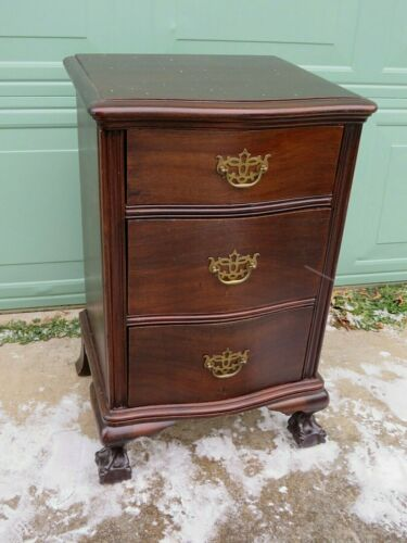 Outstanding Early 1900s Mahogany 3 Drawer Chippendale Night Stand