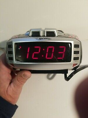 Hot Wheels Snore Slammer Alarm Clock AM/FM Radio Red/Black Flames Emerson HW800