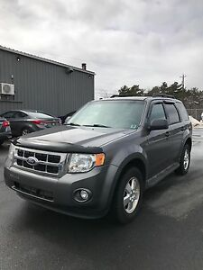 2010 Ford Escape XLT - Flex Fuel AWD 4x4 V6