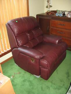 MAROON LEATHER SINGLE RECLINER LOUNGE/SOFA CHAIR WITH FOOTREST Vineyard Hawkesbury Area Preview