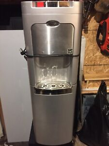 Whirlpool Bottom Load H/C Water Dispenser