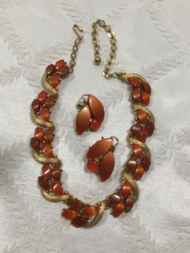 VTG,2 LOT CHAREL THERMOSET NECKLACE,PAT.PEND CLIP EARRINGS.