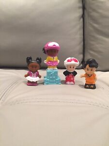 4 Figurines Little People Fisher Price - À VENDRE - PAS CHER