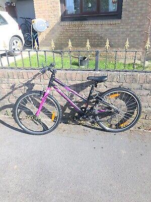 Girls specialised hotrock 24 Mountain Bike