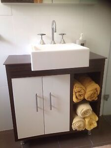 Vanity new in box and Dorf tap set Wetherill Park Fairfield Area Preview