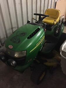 John Deere rideon lawn mower Rutherford Maitland Area Preview