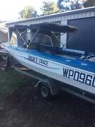 60 hp speedboat/runabout with 3 tubes and ropes and a knee board. Dalby Dalby Area Preview