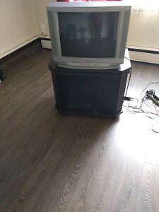 Télévision et meuble de télé