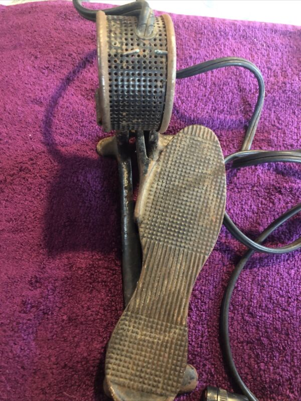 Electric Sewing Machine Foot Pedal Rat Rod Steam Punk Cast Iron Vintage 300 Volt