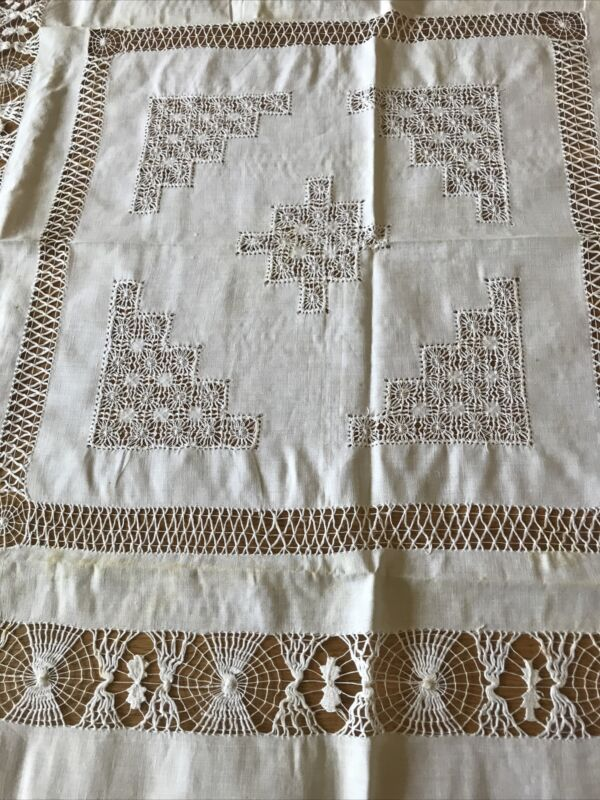 """Vintage Lace And Linen White Square Tablecloth 40"""""""