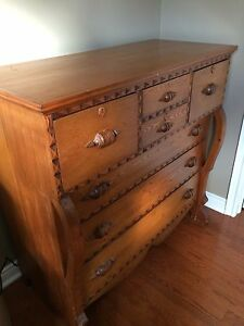 Beautiful Antique Chest of Drawers Kitchener / Waterloo Kitchener Area image 2